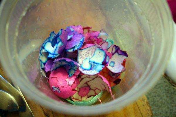 image چطور تخم مرغ پخته رنگارنگ برای بچه ها درست کنیم
