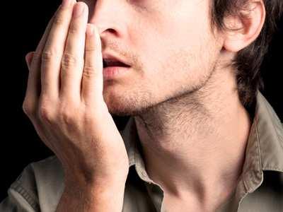 عکس, علت های عجیبی که باعث بوی بد در دهان شما می شوند