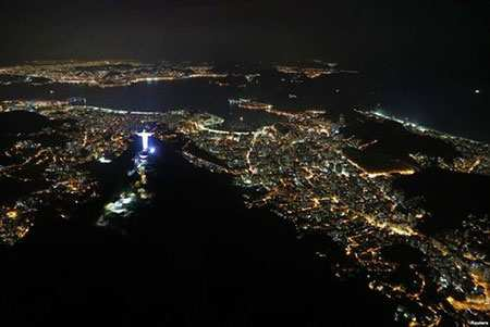 image, تصویری زیبا از نمای شبانه شهر ریودوژانیرو برزیل