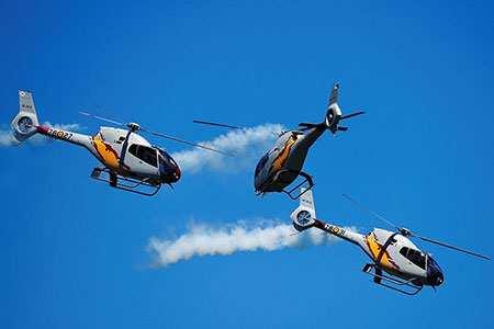 image, تصویر نمایش هوایی بالگردهای تیم اکروباتیک نیروی هوایی اسپانیا