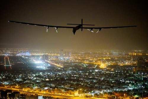 image عکس هواپیمای خورشیدی سولار ایمپالس فرودگاه شهر ابوظبی