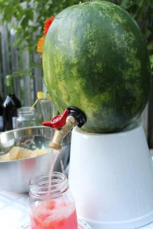 image خلاقیت های دیدنی برای تزیین هندوانه در مهمانی ها