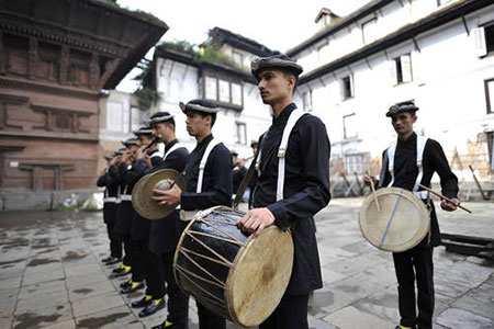 image, گروه موزیک ارتش نپال در جشنواره هندوها شهر کاتماندو