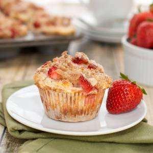 image, مافین توت فرنگی چیست و چطور در خانه آن را درست کنیم