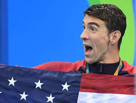 image, شادمانی مایکل فلپس شناگر از کسب مدال طلای المپیک ریو