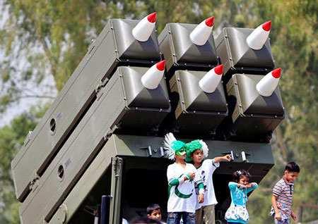 image, نمایشگاه ابزار ادوات جنگی ارتش در روز دفاع پاکستان
