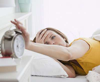 image چرا هر روز صبح که از خواب بیدار می شوم سردرد دارم