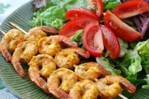 image ساده ترین آموزش پخت میگو کبابی در خانه