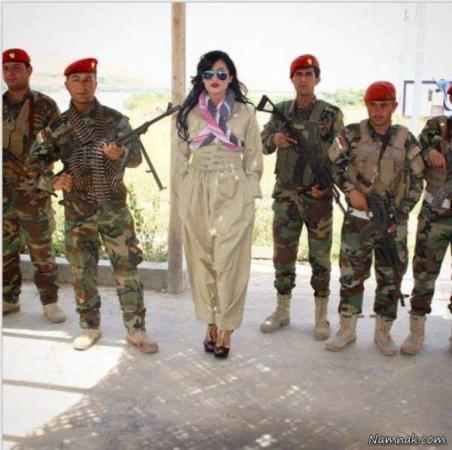 image, عکسی جالب از یک سرباز زن کرد عراقی با کفش پاشنه بلند