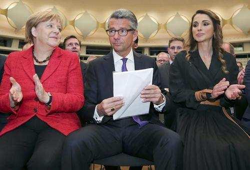 image, عکس ملکه رانیا همسر پادشاه اردن در کنفرانس روز صنعت آلمان