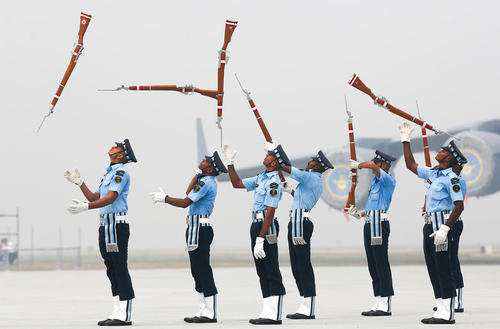 image, گارد تشریفات نیروی هوایی در مراسم سالروز نیروی هوایی هند