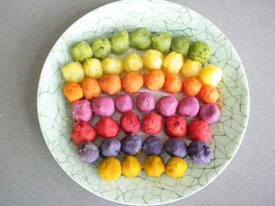 image, آموزش تزیین پوره سیب زمینی برای بچه ها شکل توپ و ستاره