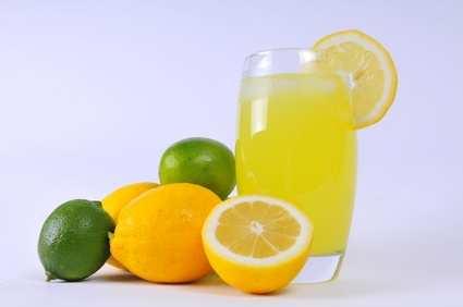 عکس, آیا نوشیدن آب لیمو در رژیم های لاغری نقشی دارد یا نه