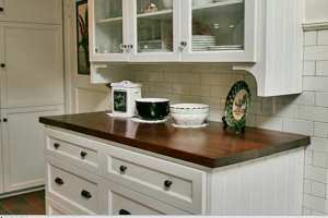 image, چه مدل کابینتی برای آشپزخانه کوچک مناسب است
