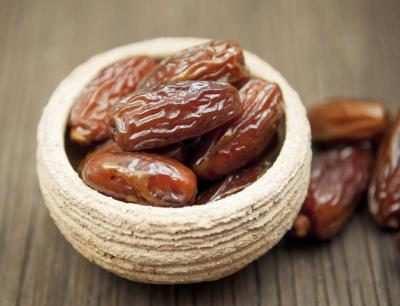 image خوردن خرما برای خانم های باردار مفید است یا نه