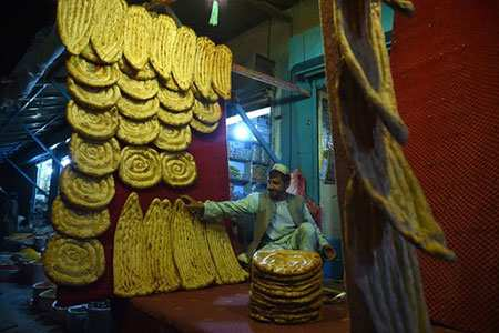 image, عکسی زیبا از یک نانوایی در شهر لشکرگاه افغانستان