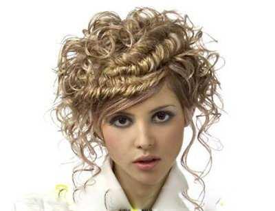 image زیباترین مدل های مو برای دختران مو فرفری