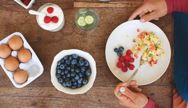 image, آدم های خوشتیپ چه غذاهایی می خورند