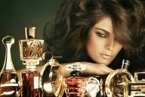 image, چرا بعضی خانم ها همیشه بوی عطر خوب می دهند با آموزش