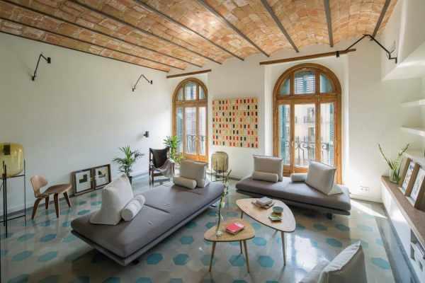 image, ایده استفاده از کفپوش آبی براق در خانه با عکس