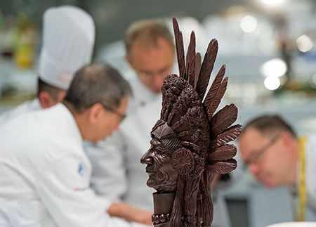 image عکس دیدنی سرخ پوست ساخته شده شکلاتی مسابقه بین المللی آلمان