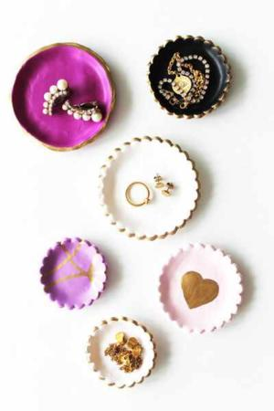 image آموزش تصویری ساخت ظرف های کوچک تزیینی با خمیر