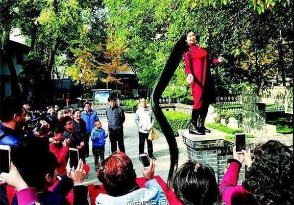 image, دختری با بلندترین موی جهان همراه با عکس
