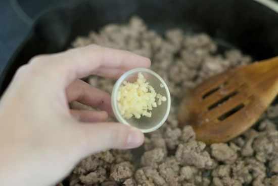 image آموزش نحوه پخت ماکارونی صدفی با سس خوشمزه