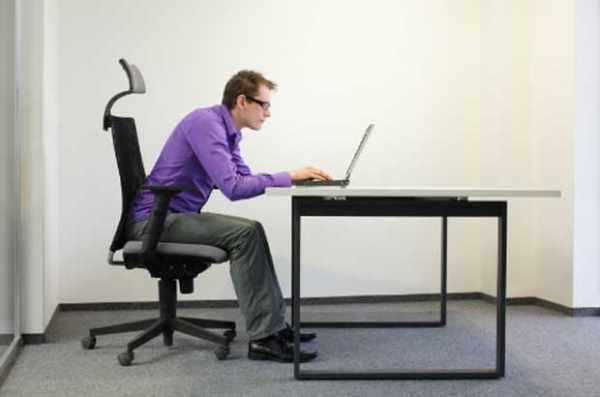 image کار من همیشه پشت میز نشینی است برای سلامتی ام چه کنم