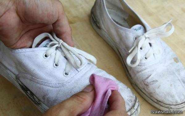 image ترفند آسان پاک کردن شوره آب روی کفش