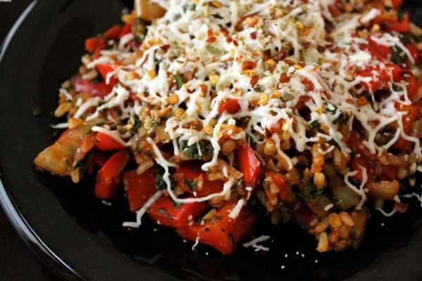 image آموزش پخت پیتزای مخصوص با برنج بدون فر روی گاز