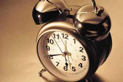 image, متن کامل شعر زیبای ساعت از سهراب سپهری