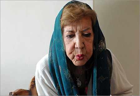 image, زندگی نامه اشعار و عکس های زیبا از شاعره سیمین بهبهانی