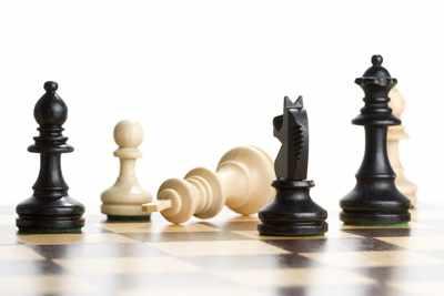 image متن کامل شعر زیبای شطرنج شاعر صادق حسینی