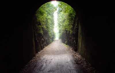 image, زندگینامه یغما گلرویی و شعر از خانه بیرون بیا تا زیبا شود این شهر
