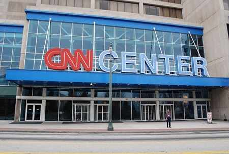 image معرفی و تارخچه خواندنی کانال تلویزیونی CNN
