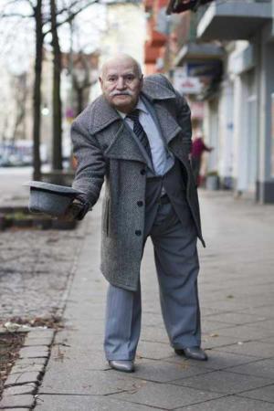 image, عکس های دیدنی از پیرمرد خوش لباس و با سلیقه