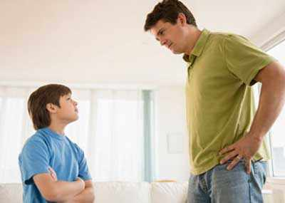 image چطور با فرزند نوجوان خود حرف بزنیم تا حرف ما را قبول کند