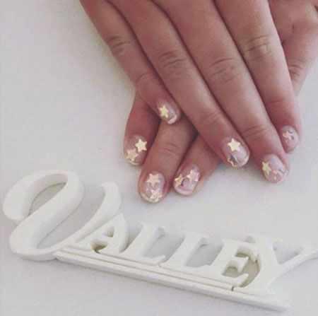 image ایده های جالب طراحی روی ناخن با عکس