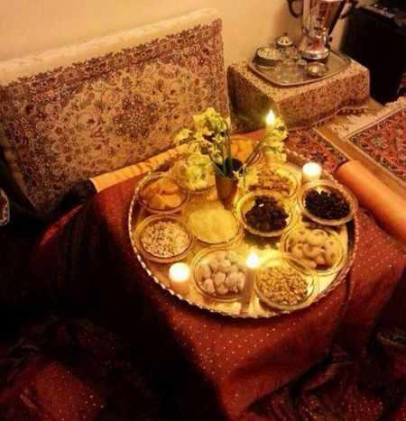 image چیدمان های شیک و سنتی برای سفره شب یلدا