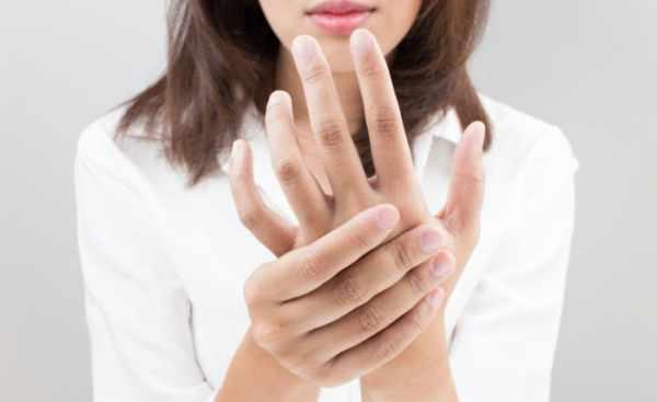 image چرا دستم مرتبا خواب می رود و راه درمان آن