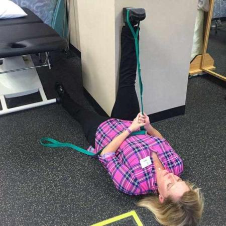 image آموزش تصویری حرکات کششی برای درمان زانو درد