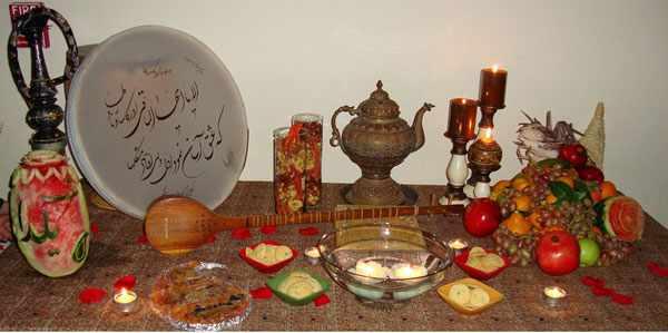 image, ایده های زیبا و سنتی برای چیدمان سفره یلدا