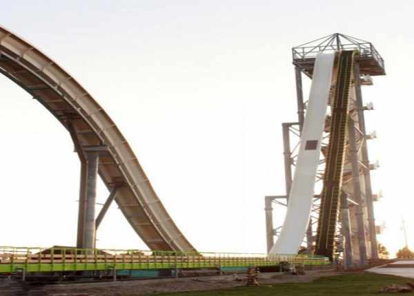 image عکس های دیدنی از بلندترین و بزرگترین سرسره آبی
