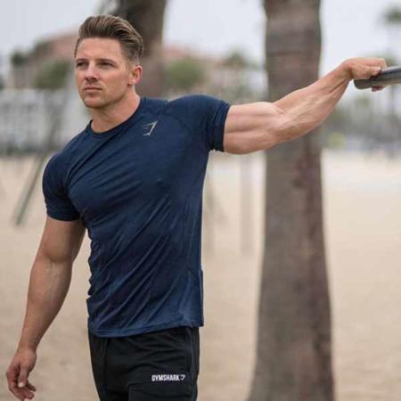 image راهی آسان برای ساخت عضلات قوی با فیگور گرفتن