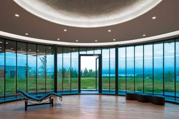 image عکس های دیدنی از خانه ای با طراحی مدرن و هندسی
