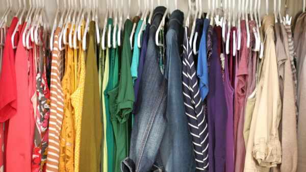 image, رنگ مناسب برای لباس خانم ها در محل کار چیست