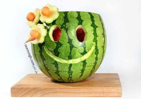 image آموزش تصویری و آسان ساخت گلدان شب یلدا با هندوانه