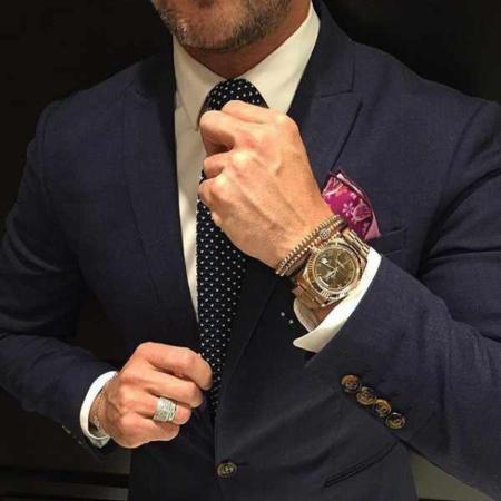 image ست شیک ساعت و دستبند مردانه با کت و شلوار