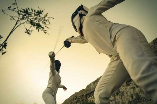 image معرفی ورزش شمشیر بازی و فایده آن برای سلامتی